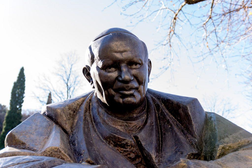 John Paul II statue